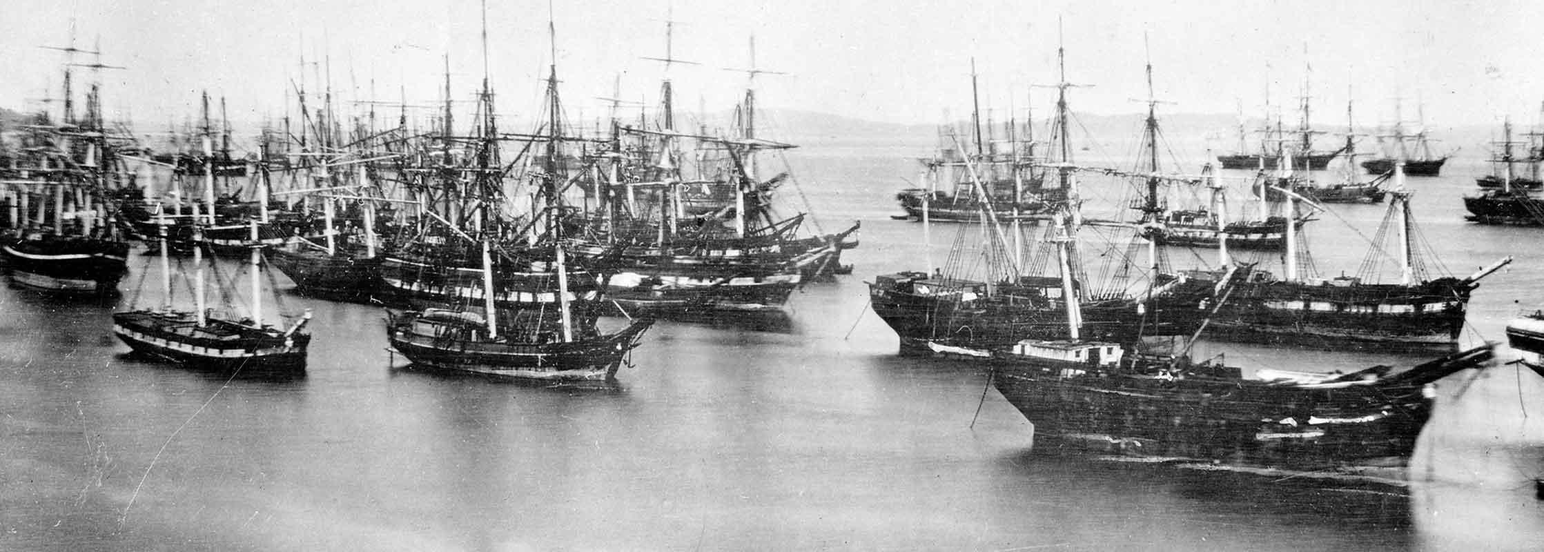 У причалов Сан-Франциско скопилось множество брошенных кораблей